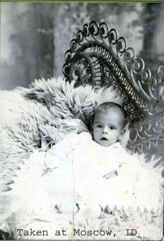 Baby with furs