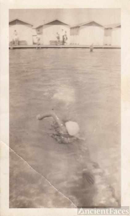 Jenniemae Miller, swimming